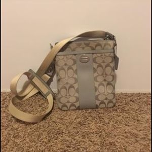 Cross body coach purse